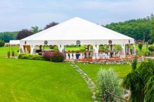 plandeka ogrodowa na ślub w plenerze